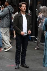Tom Cruise - on the set of 'Oblivion' in New York City - June 13, 2012 - 52xHQ RDg8x8fj