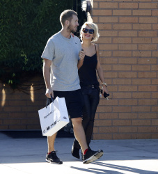 Calvin Harris and Rita Ora - out and about in Los Angeles - September 18, 2013 - 16xHQ LSkTOQ8y