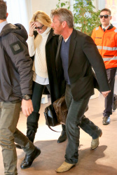 Sean Penn - Sean Penn and Charlize Theron - depart from Rome after a Valentine's Day weekend - February 15, 2015 (37xHQ) HdxDmUSd