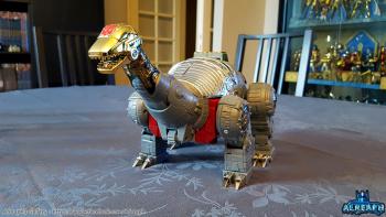 [Fanstoys] Produit Tiers - Dinobots - FT-04 Scoria, FT-05 Soar, FT-06 Sever, FT-07 Stomp, FT-08 Grinder - Page 9 URfiJCA7