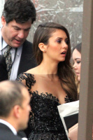 Nina arriving at the Golden Globes held at the Beverly Hilton (January 11) Bgna3wIq