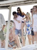 Nina Dobrev with her boyfriend Austin Stowell in Saint-Tropez (July 24) 9QmWe9rv