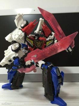 [Mastermind Creations] Produit Tiers - RC-01 Hexatron (aka Sixshot/Hexabot) et RC-01G Grandus Hexatron (aka Greatshot) - Page 3 J6B3p1HN