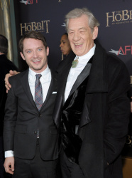 Ian McKellen - 'The Hobbit An Unexpected Journey' New York Premiere benefiting AFI at Ziegfeld Theater in New York - December 6, 2012 - 28xHQ Yv6Pst4h