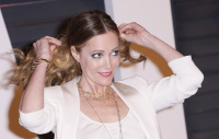 """Leslie Mann """"2015 Vanity Fair Oscar Party hosted by Graydon Carter at Wallis Annenberg Center for the Performing Arts in Beverly Hills"""" (22.02.2015) 126x  YRHWx35V"""