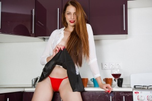 Isabella - In The Kitchen - [famegirls] K3dJYjbQ
