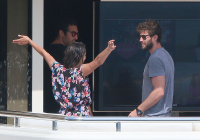 Nina Dobrev and Asustin Stowell enjoy the ocean off the cost the French Riviera (July 26) WIgRKOzM