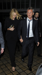 Sean Penn - Charlize Theron and Sean Penn - seen leaving Royal Festival Hall. London - February 16, 2015 (153xHQ) QsDbNZHm