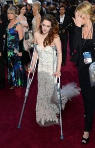 Kristen Stewart - Imagenes/Videos de Paparazzi / Estudio/ Eventos etc. - Página 31 AcblLyDz