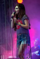 Лана Дель Рей, фото 271. Lana Del Rey performing at the Isle of Wight Festival in Newport - 22/06/12, foto 271