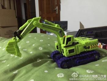 [Toyworld] Produit Tiers - Jouet TW-C Constructor aka Devastator/Dévastateur (Version vert G1 et jaune G2) - Page 3 CsZVPMxN
