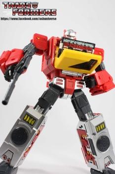 [KFC Toys] Produit Tiers - Jouet Transistor (aka Blaster/Tempo) + DoubleDeck (Twincast) + Fader (aka Eject/Éjecteur) + Rover (aka Autoscout) - Page 2 GuyD4qRL