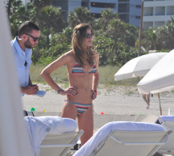 abgSmd97 Ana Beatriz Barros in a bikini in Miami Beach   December 7, 2012   35 HQ candids
