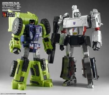 [Toyworld] Produit Tiers - Jouet TW-C Constructor aka Devastator/Dévastateur (Version vert G1 et jaune G2) - Page 5 5FD6ZQSI