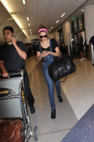 Nina Dobrev at LAX Airport (March 27) EOFBjIWB