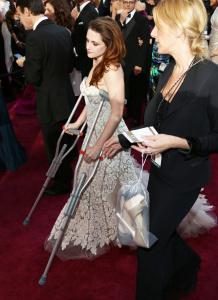 Kristen Stewart - Imagenes/Videos de Paparazzi / Estudio/ Eventos etc. - Página 31 AdqDGm5b