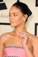 Rihanna  57th Annual GRAMMY Awards in LA 08.02.2015 (x79) updatet N5En7DVD
