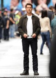 Tom Cruise - on the set of 'Oblivion' in New York City - June 13, 2012 - 52xHQ VBYe9MMt