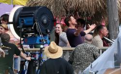 Robert Downey Jr. - On The Set Of 'Iron Man 3' 2012.10.02 - 19xHQ HIhcdzgB