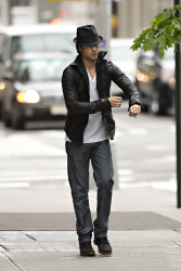Ian Somerhalder - seen out of his hotel - May 15, 2012 - 8xHQ KnWhRFJB