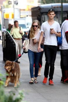 Amanda Seyfried dog Finn pal Brooklyn