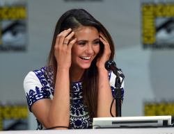 Paul Wesley - Ian Somerhalder,   Nina Dobrev,  Paul Wesley,  Katerina Graham,  Matthew Davis - 'The Vampire Diaries' panel during Comic-Con International 2014 at San Diego Convention Center in San Diego (July 26, 2014) - 101xHQ Th9kh4r2