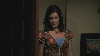 Melanie Lynskey - Two and a Half Men (2006) S4 Ep1 clevage.hot | HD 720p