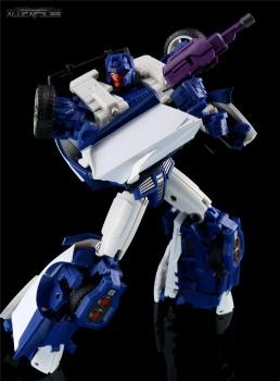 [Transform Mission] Produit Tiers - Jouet M-01 AutoSamurai - aka Menasor/Menaseur des BD IDW - Page 2 ZB5nODHn