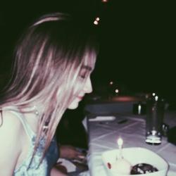 Sabrina Carpenter Twitter Instagram Personal Pics