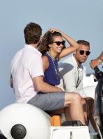 Nina Dobrev with her boyfriend Austin Stowell in Saint-Tropez (July 24) XhVpErmi