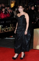 AVP Les Misérables, Londres - 5 décembre 2012 - Page 3 AcscwUYd