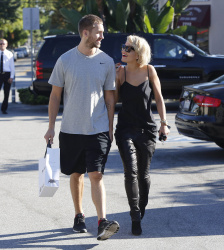 Calvin Harris and Rita Ora - out and about in Los Angeles - September 18, 2013 - 16xHQ VJFLQpxH