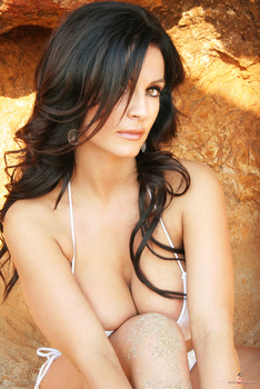 Дениз Милани, фото 4472. Denise Milani White Bikini (From Her Old Website), foto 4472