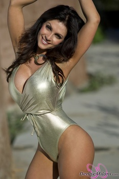 Дениз Милани, фото 4902. Denise Milani Gold One-Piece (Low Quality), foto 4902