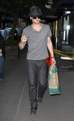 Ian Somerhalder - spotted doing some grocery shopping in NYC - May 17, 2012 - 9xHQ EUfaIX58