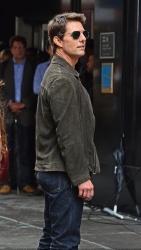 Tom Cruise - on the set of 'Oblivion' in New York City - June 13, 2012 - 52xHQ DZjgAi3X