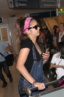 Nina Dobrev at LAX Airport (March 27) J1PKJHe6