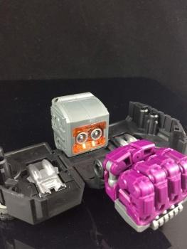 [Generation Toy] Produit Tiers - Jouet GT-01 Gravity Builder - aka Devastator/Dévastateur - Page 3 WeqvW2Iy