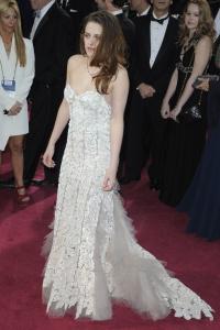 Kristen Stewart - Imagenes/Videos de Paparazzi / Estudio/ Eventos etc. - Página 31 Abdb2lpW