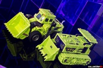 [Toyworld] Produit Tiers - Jouet TW-C Constructor aka Devastator/Dévastateur (Version vert G1 et jaune G2) - Page 4 FbQEEvrv