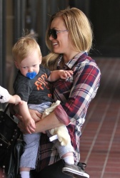 Hilary Duff - out in Sherman Oaks 3/20/13
