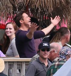 Robert Downey Jr. - On The Set Of 'Iron Man 3' 2012.10.02 - 19xHQ Qc2NPpBX