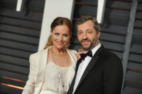 """Leslie Mann """"2015 Vanity Fair Oscar Party hosted by Graydon Carter at Wallis Annenberg Center for the Performing Arts in Beverly Hills"""" (22.02.2015) 126x  GnokInWg"""