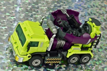 [Generation Toy] Produit Tiers - Jouet GT-01 Gravity Builder - aka Devastator/Dévastateur - Page 2 NaJMOavM