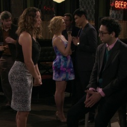 Undateable - Bridget Mendler, Bianca Kajlich, etc ass caps