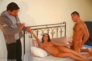Порно где жена изменяет мужу русское