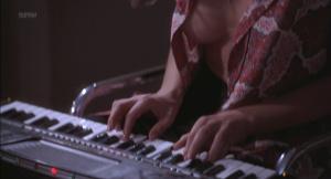 Kari Wuhrer, Priscilla Barnes @ The Crossing Guard (US 1995) [HD 1080p] GmD9IVIs