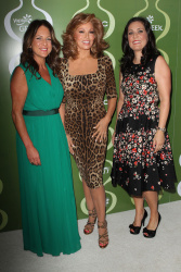 acbmxQ5U Raquel Welch   Variety & Women In Film Pre Emmy Event   September 20, 2013   9 HQ high resolution candids