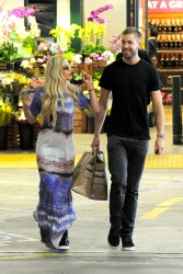 Calvin Harris and Rita Ora - out in New York - June 20, 2013 - 24xHQ Jpt6BgAv