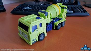 [Toyworld] Produit Tiers - Jouet TW-C Constructor aka Devastator/Dévastateur (Version vert G1 et jaune G2) - Page 6 SFduVRid